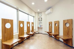 小鳥のセンター病院・池袋の待合室